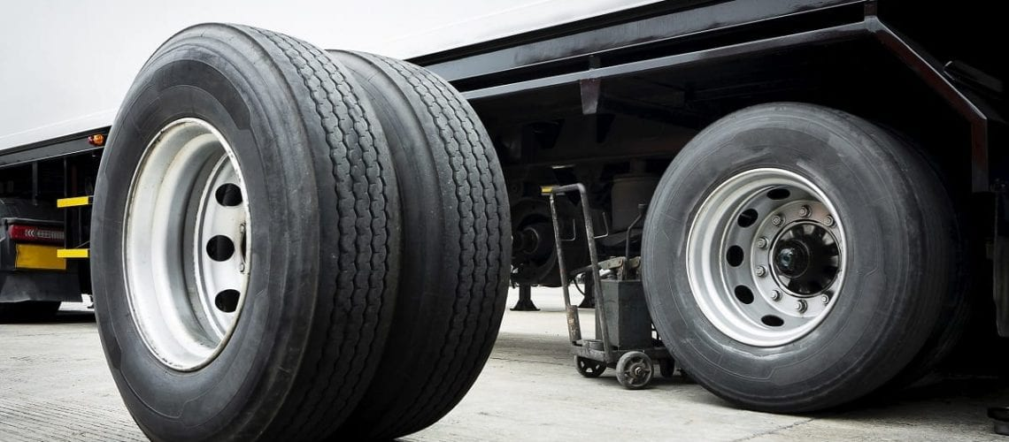 How to Change a Truck Tire