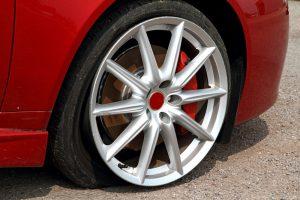 can u drive on a flat tire