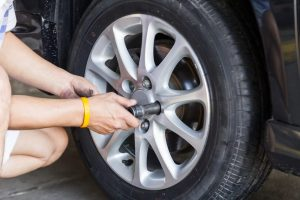 how to get a stuck tire off