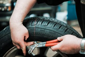 how to know when to replace tires