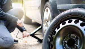 how to remove a car tire