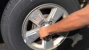 how to rotate the tires with one jack