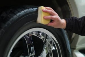 how to remove paint from tires