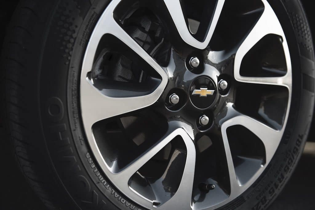 How to Rotate Tires on Front-Wheel Drive