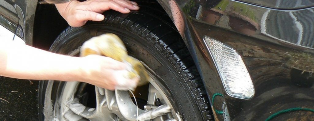 How to Remove Tar from Tires