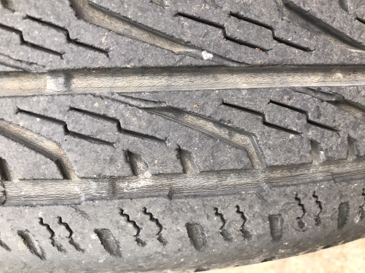How Do Tires Get Dry Rot