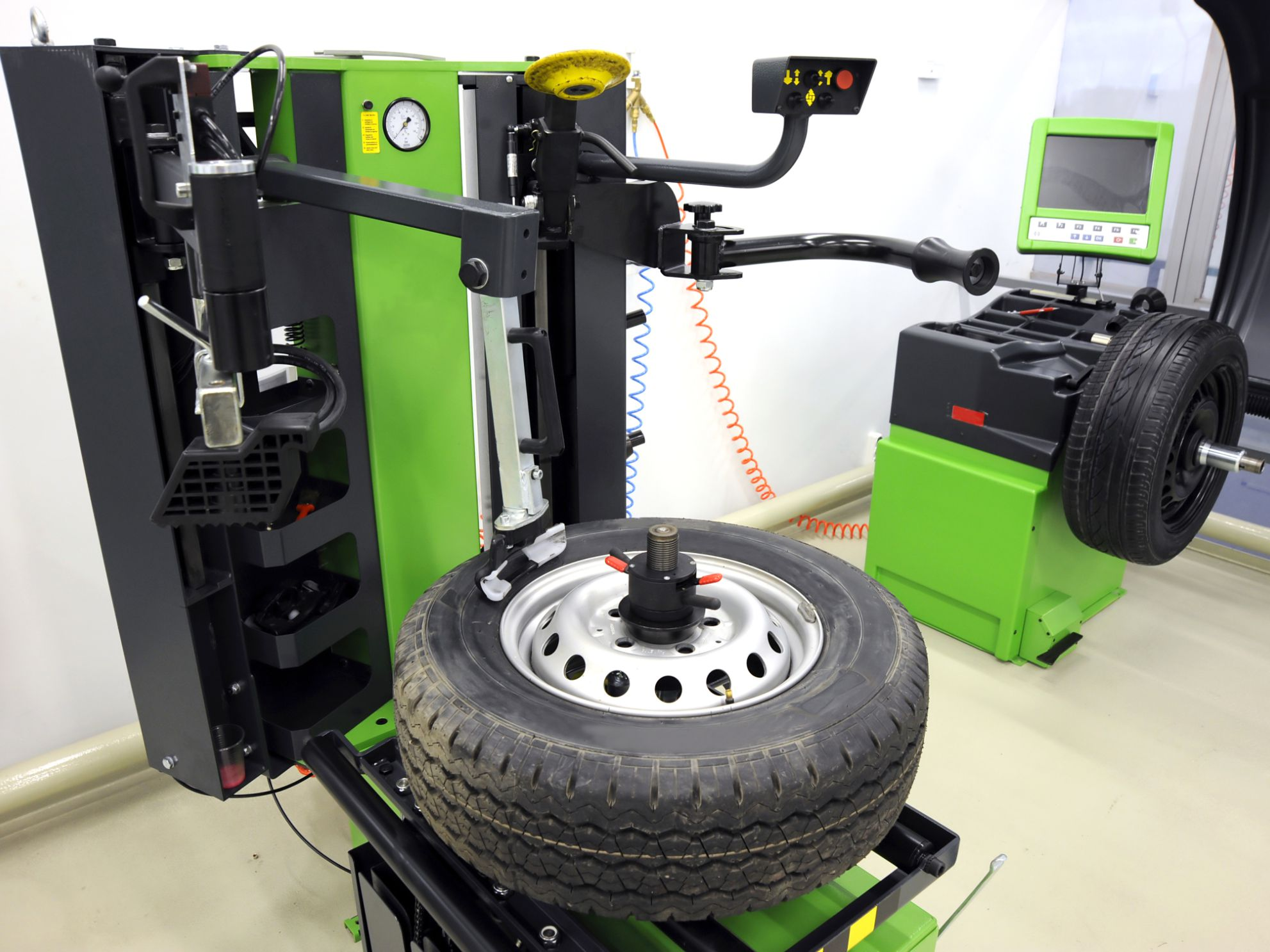 How to Balance Tires Without a Machine