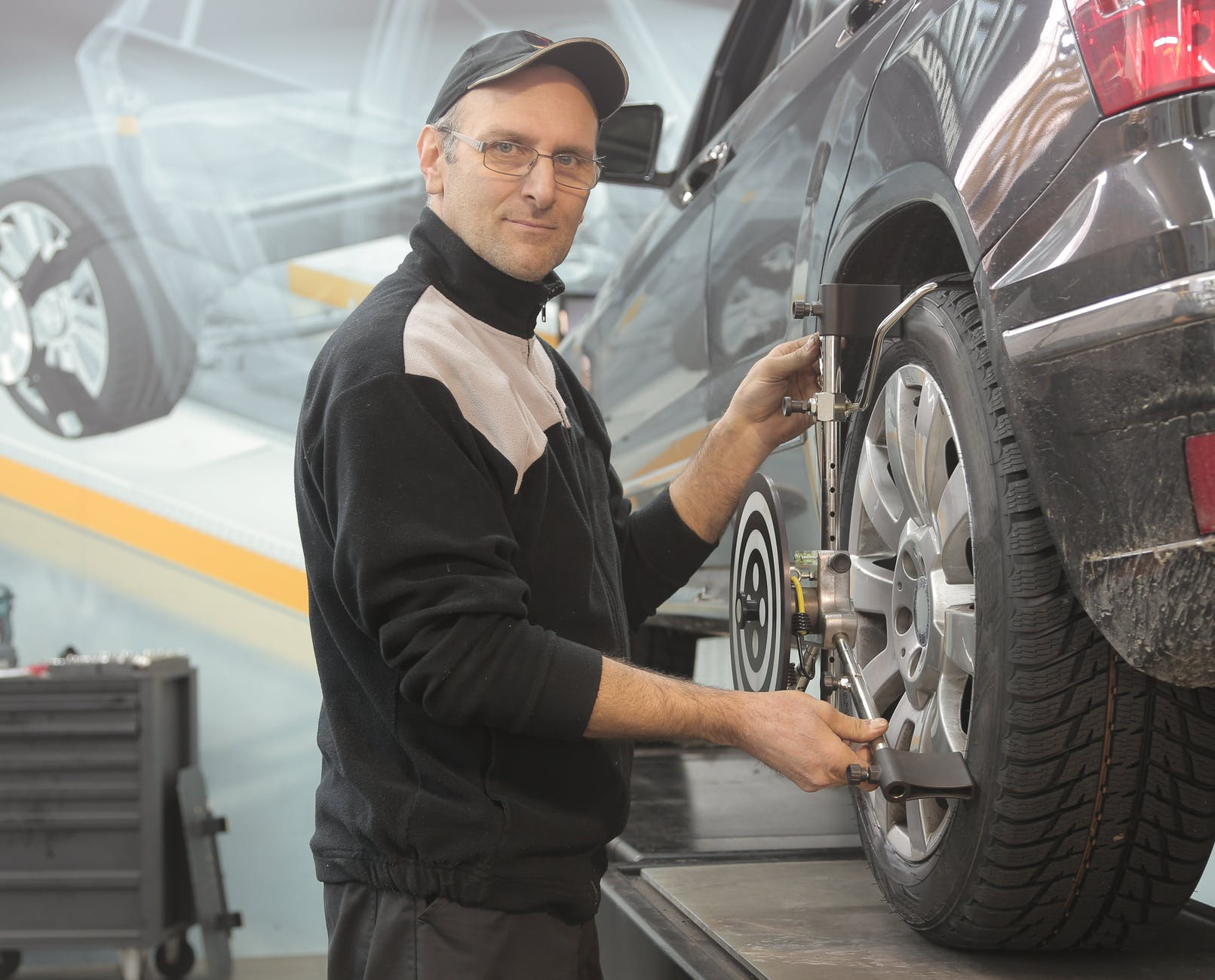 How to Mount and Balance Tires at Home