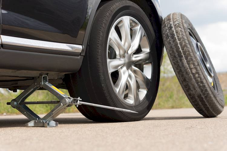 How to Put on a Spare Tire