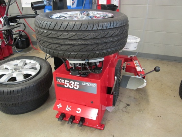 How to Use a Tire Machine