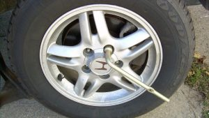how to replace spare tire