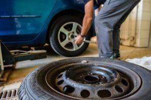 how to tighten a tire valve stem